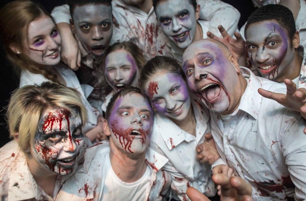 Impreza w stylu zombie