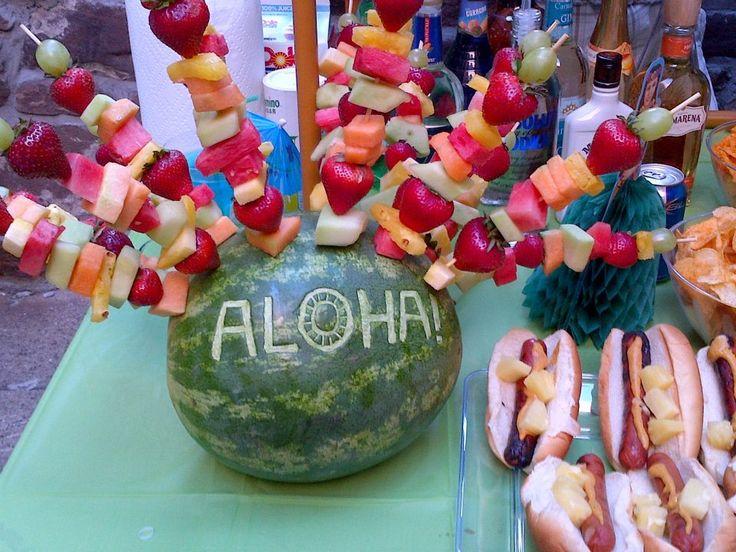 Impreza w stylu hawajskim