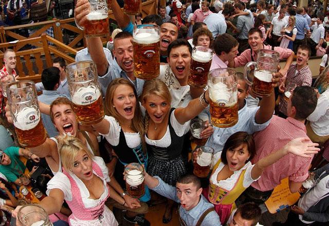 Impreza w stylu Oktoberfest